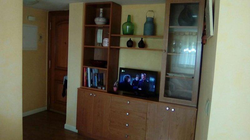'EL TRASTERO' Ático, acogedor, luminoso y tranquilo, holiday rental in Valdemierque