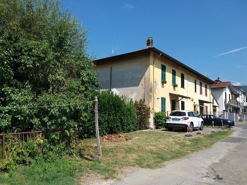 House in a nice village,between Alpi Apuane and 5Terre Forte dei Marmi,Versilia, holiday rental in Soliera Apuana