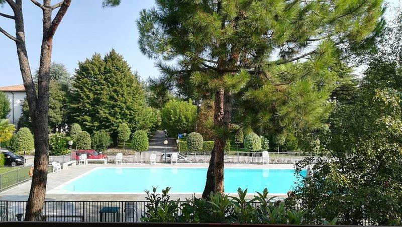 Sole Garda Relax - Peschiera del Garda, holiday rental in Ronchi