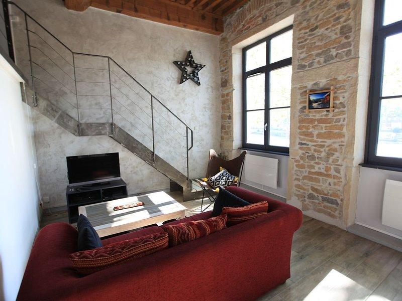 Une adresse de charme au coeur du quartier historique, face au fleuve..., holiday rental in Lyon