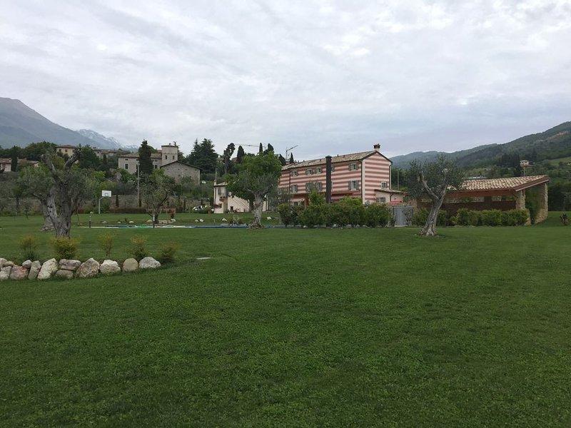 Dimora di Campagna vicino al Lago di Garda, alquiler vacacional en Caprino Veronese