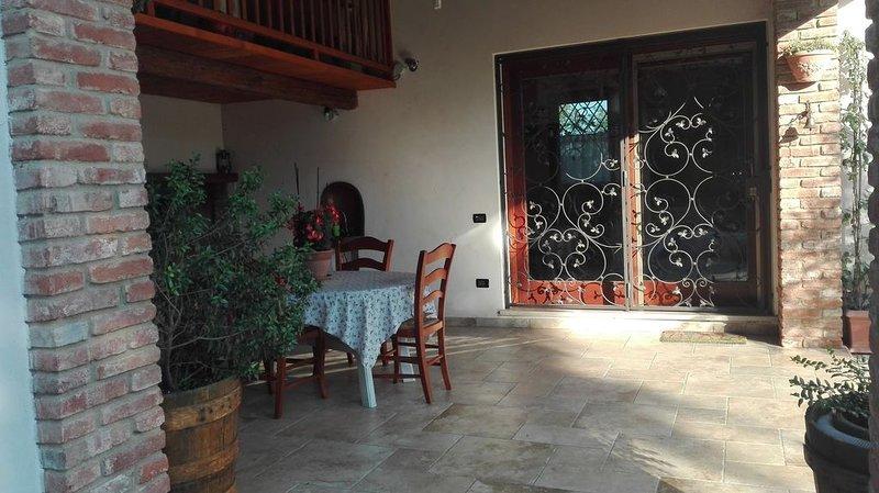 Porzione di casa singola, holiday rental in Zane