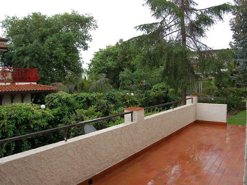 Villa Cinzia - giardino e privacy inclusi! - English spoken, holiday rental in Pennisi