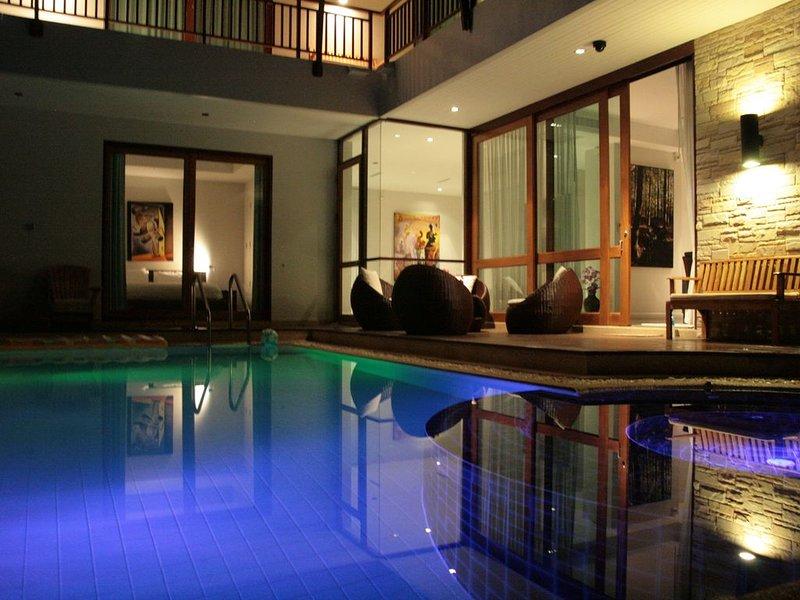 Exclusive Villa 130 meters to beach, swimming pool, hot pool, sea view, 4.5 bath, vacation rental in Kui Buri