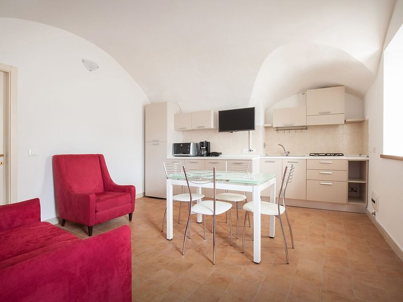 Bacio - Appartamento a Malcesine-Cassone, holiday rental in Assenza