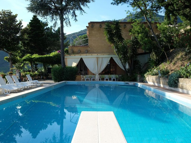 QuattroSorelle, Villa in Campania, near Pompei, Amallfi, Sorrento, Neaples, alquiler vacacional en Lauro