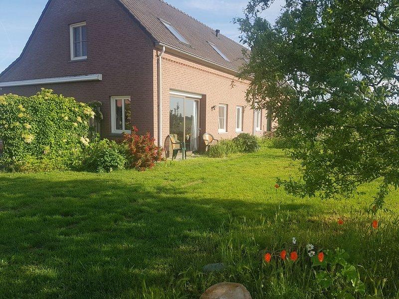 Hele mooi kamer, deel van Boerderij aan de Maasheggen, Ferienwohnung in Oostrum
