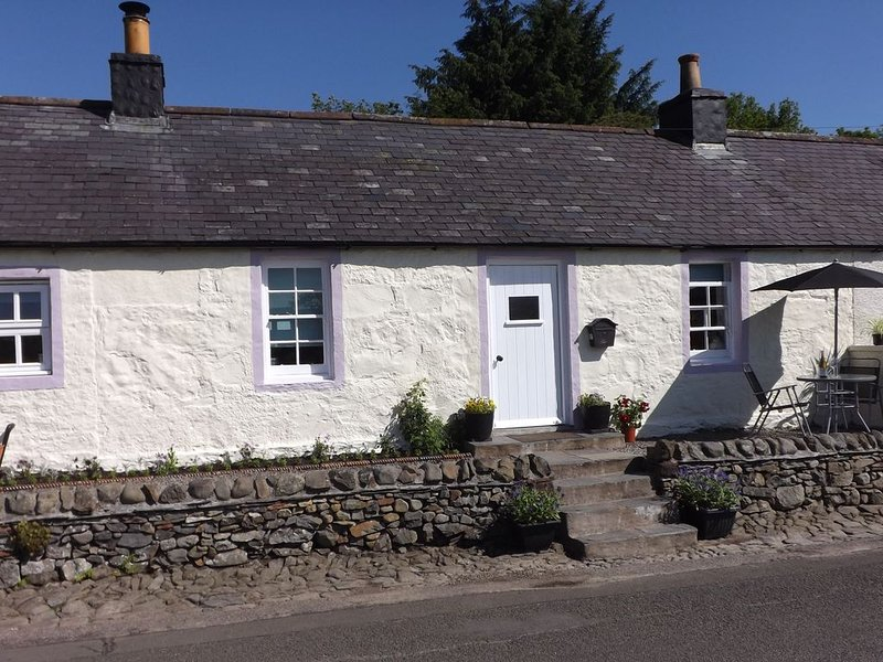 Charming 500 year old cottage in Moniaive, casa vacanza a St. John's Town of Dalry