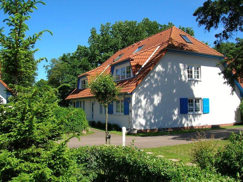 komfortable Erdgeschosswohnung, haustiergeeignet, Süd-Terrasse, WLAN vorhanden, holiday rental in Ostseebad Prerow