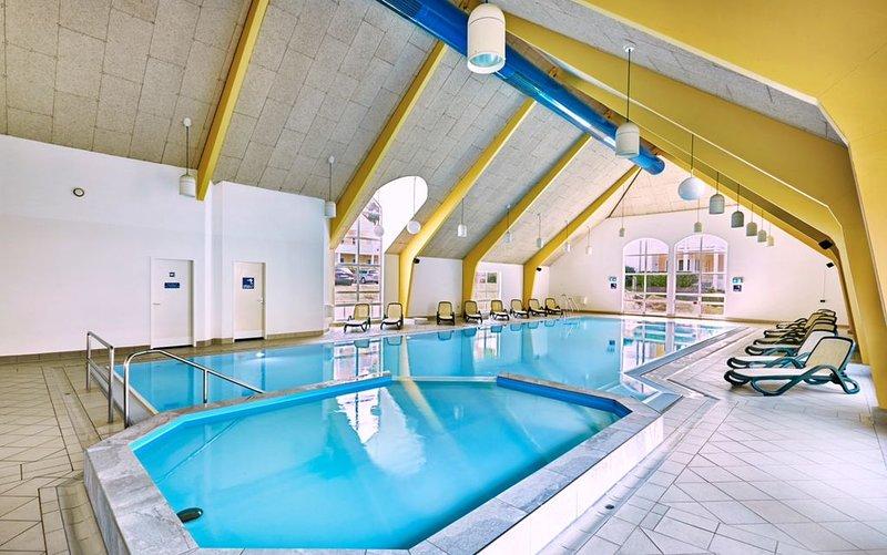EXCLUSIVE 4**** Sauna,private Schwimmhalle,Kamin,Whirlpool, location de vacances à Koserow