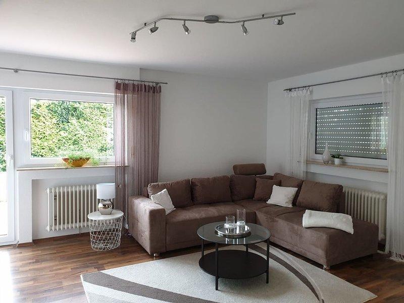 Im Herzen des Nordschwarzwaldes neue renovierte moderne Ferienwohnung, holiday rental in Ehlenbogen