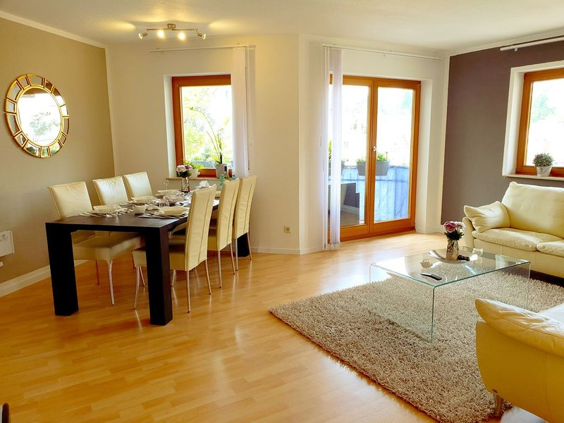 Moderne 3-Zimmer-Wohnung mit Balkon sowie Internet/WLAN in Meersburg, Ferienwohnung in Meersburg (Bodensee)