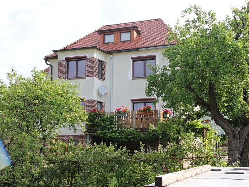 Fewo (Südrand DD), 85 qm im 2-Fam-Haus, 2 Pers. 45€, 4 Pers. 65€, holiday rental in Freiberg