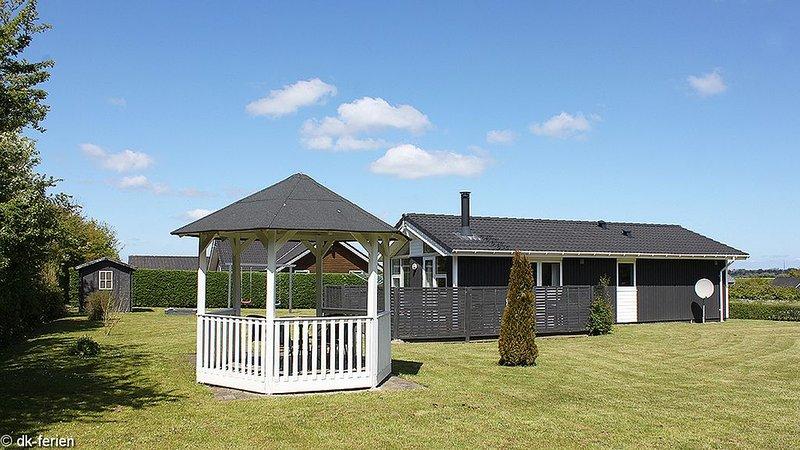 Schönes Ferienhaus mit Sauna und großem Garten, location de vacances à Horuphav