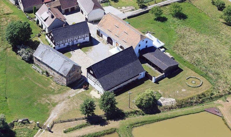 Gemütliche Unterkunft im Vierseithof in idyllischer, ländlicher Lage, holiday rental in Malschwitz