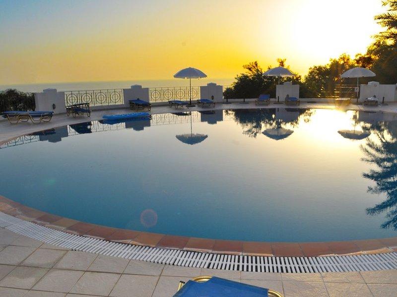 """Appartements mit Pool """"Maria"""" am Agios Gordios Strand, holiday rental in Agios Gordios"""