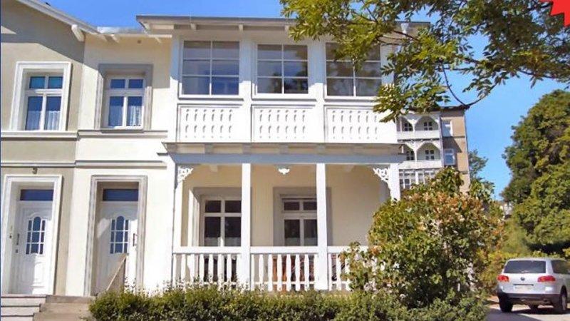 Villa Rosengarten - Ferienwohnung Terra, vacation rental in Lohme