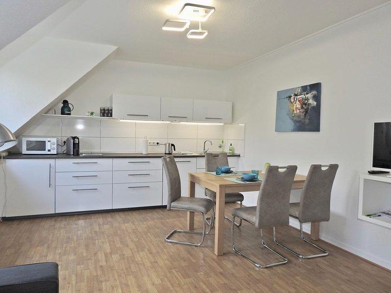 Ruhige, moderne Nichtraucher-Wohnung in Uni-Nähe (45 qm, 2 Zi, 2-4 Pers.),, holiday rental in Schmallenberg