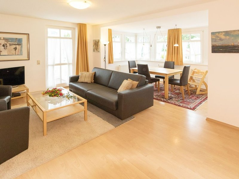 2-Raum Ferienwohnung Villa Eden, 2 Balkone, WLAN,  inkl. Strandkorb, holiday rental in Ostseebad Binz