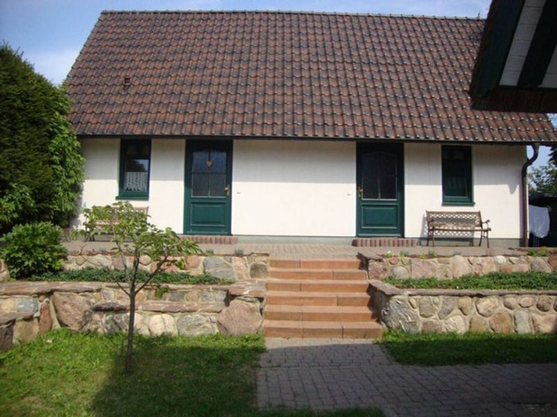 Doppelhaushälfte 45qm, holiday rental in Katschow