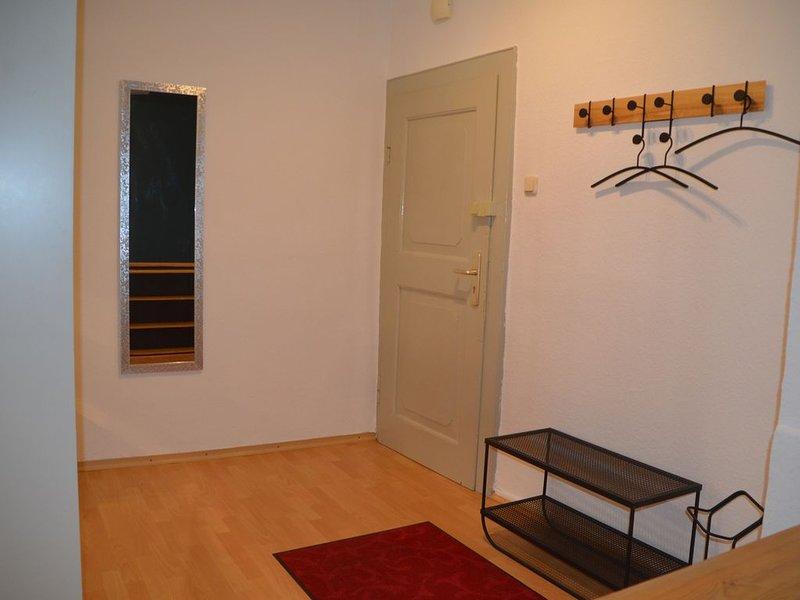 Liebevoll eingerichtete Ferienwohnung im denkmalgeschützten Fachwerkhaus., holiday rental in Bad Munder am Deister
