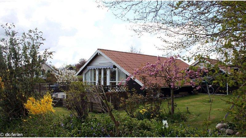Gemütliches Holzferienhaus in der idyllischen Region des Kleinen Belts, location de vacances à Hejls