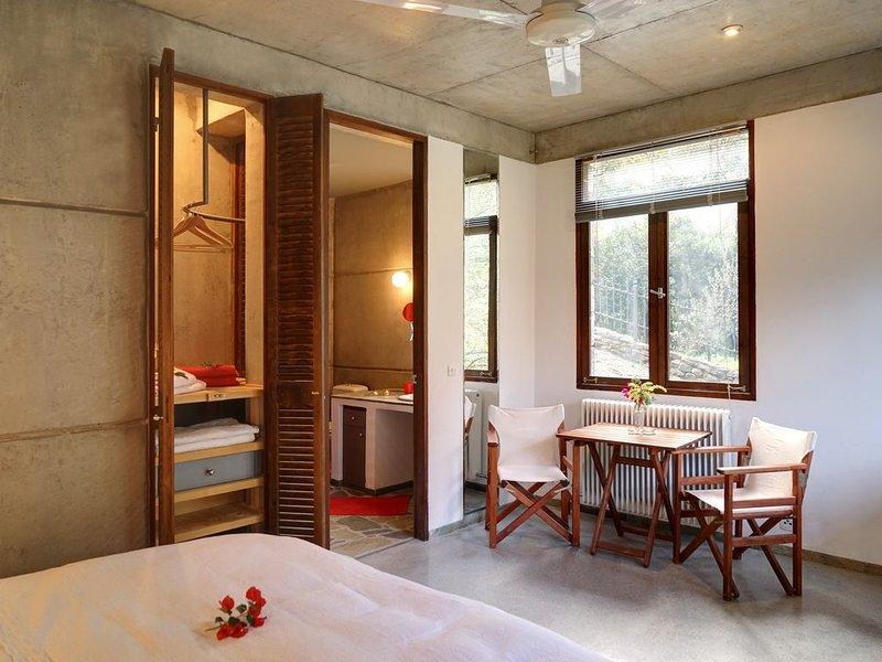 Studios-Kyparissi, Apartment 'Portokali' im Herzen Arkadiens/Peleponnes, casa vacanza a Leonidio