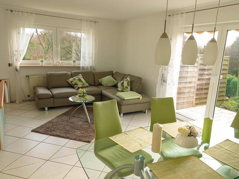 Möbliertes Haus zur vorübergehenden Überlassung mit eigenem Eingang im Grünen, holiday rental in Remscheid