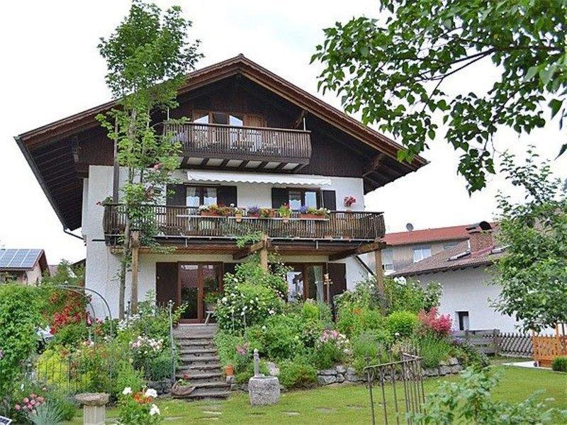 Ferienwohnung Huber - Rosengarten, holiday rental in Nesselwang