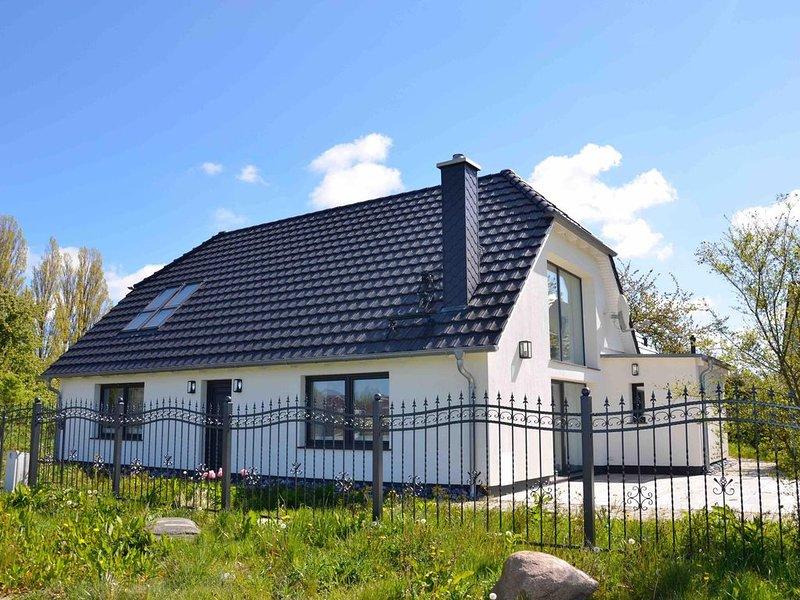 Luxuriöses Landhaus am Wieker Bodden, casa vacanza a Wiek