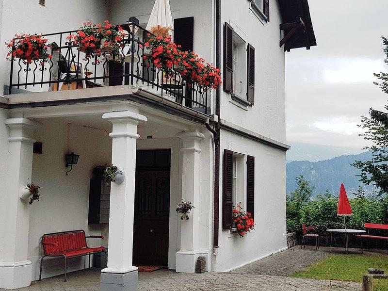 Weisses Haus am Sonnige Terasse, vacation rental in Spiez