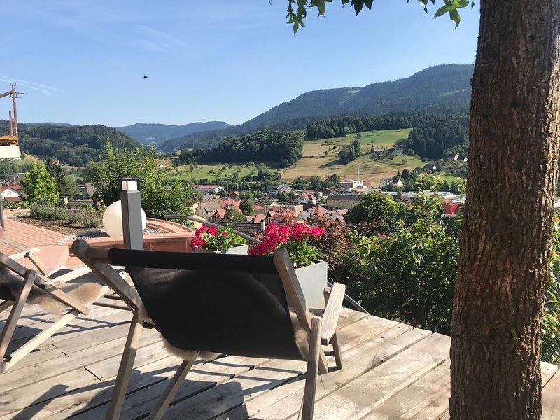 Schwarzwald Lodge Oppenau - Luxuriöse Ferienwohnung mit wunderschöner Aussicht, aluguéis de temporada em Oberharmersbach