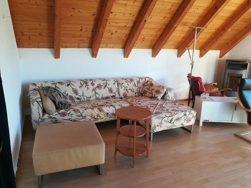 Großzügige gemütliche Wohnung in Ammernähe mit Balkon, vacation rental in Diessen