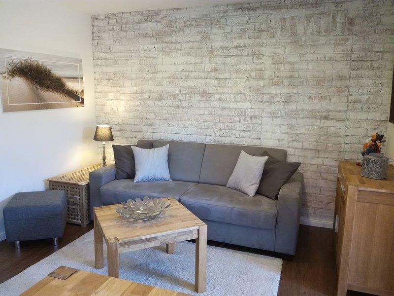 Hochwertige Neubau Ferienwohnung, holiday rental in Strenglin