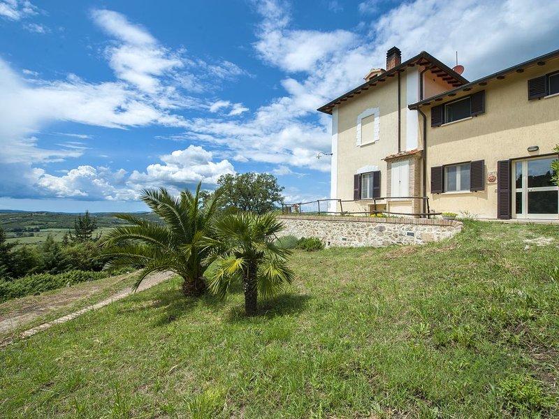 Neue FeWo für 4 Personen im Herzen der Toskana  'Il Girasole', casa vacanza a Massa Marittima