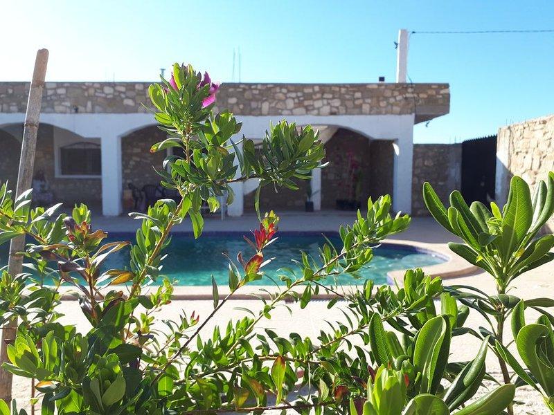 Magnifique villa avec piscine privée pour 10 personnes, holiday rental in Oujda