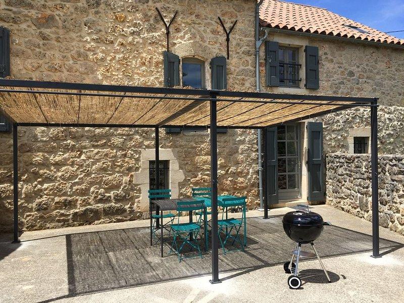 Location d'un gîte sur le Causse Noir en Aveyron proche des gorges du Tarn !, aluguéis de temporada em La Roque-Sainte-Marguerite