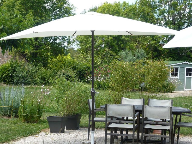 Chambre avec petit déjeuner, holiday rental in Chartrier-Ferriere