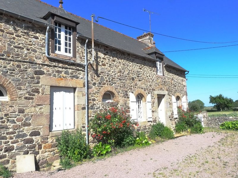 jolie longère bretonne calme, holiday rental in Henansal