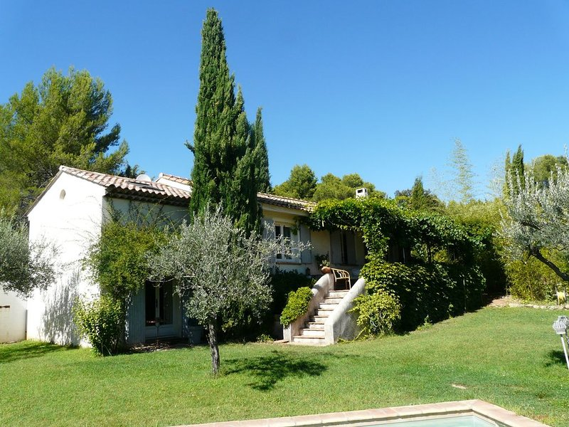 Dernière quinzaine  disponible, holiday rental in Trans-en-Provence