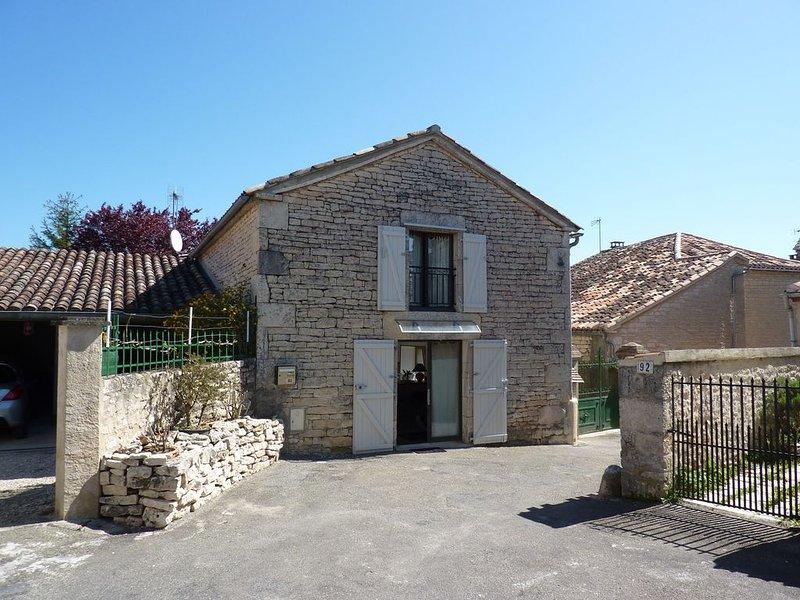 Maison De Village En Pierre Lalbenque - Grange entièrement refaite à neuve -, vacation rental in Labastide-de-Penne