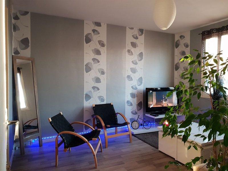 maison complete pour 6 personnes Epernay meme 3 chambres jardin garage, location de vacances à Saint-Martin-d'Ablois