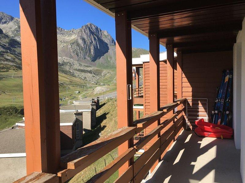 Appartement Pyrénées La Mongie Tourmalet Plein sud face pistes, holiday rental in La Mongie