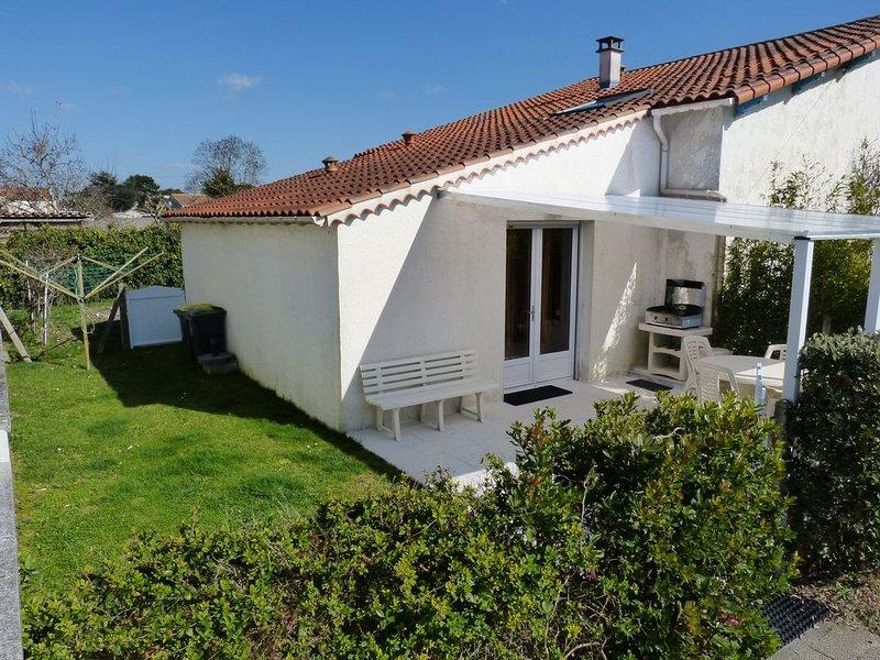 Jolie petite villa proche de la mer, vacation rental in Charente-Maritime