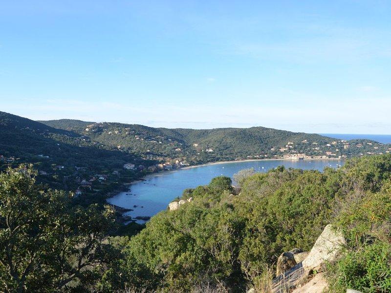 Rés. L'OLIVERAIE 'LAURINA T3/4' A l'ombre des Oliviers, à quelques pas de la mer, holiday rental in Belvedere-Campomoro