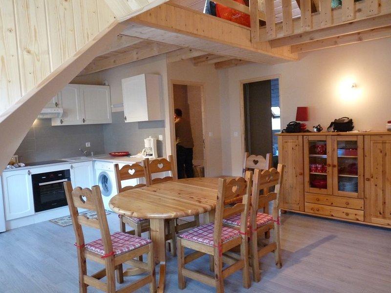 Bel appartement en centre ville, capacité 8 personnes ., holiday rental in Le Mont-Dore