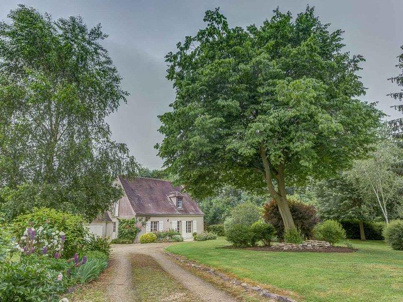 Proche Paris idéal pour se ressourcer. Vue imprenable sur la forêt de Compiègne, holiday rental in Pronleroy