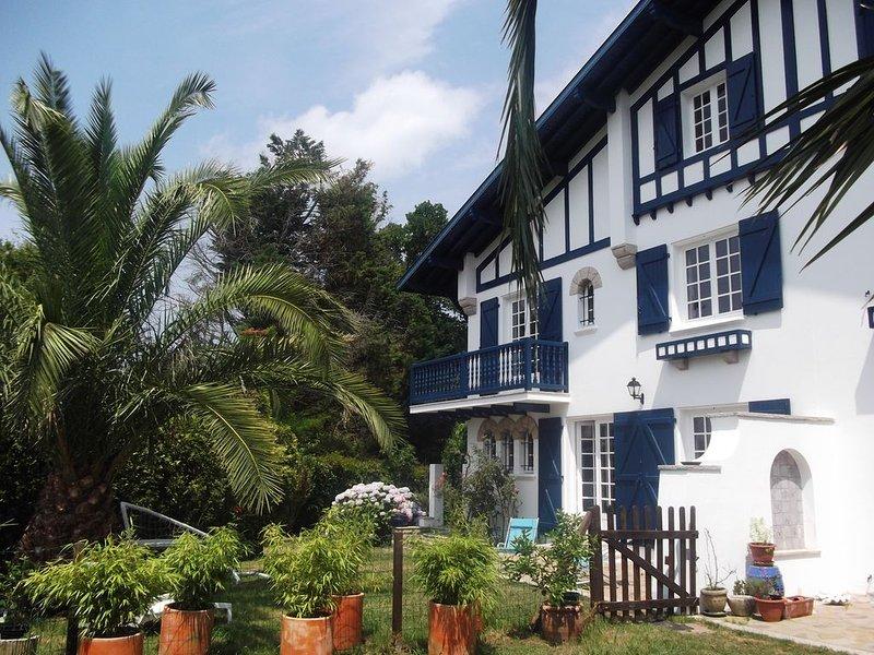 Près Biarritz pour des vacances dans une belle maison traditionnelle, vacation rental in Ahetze