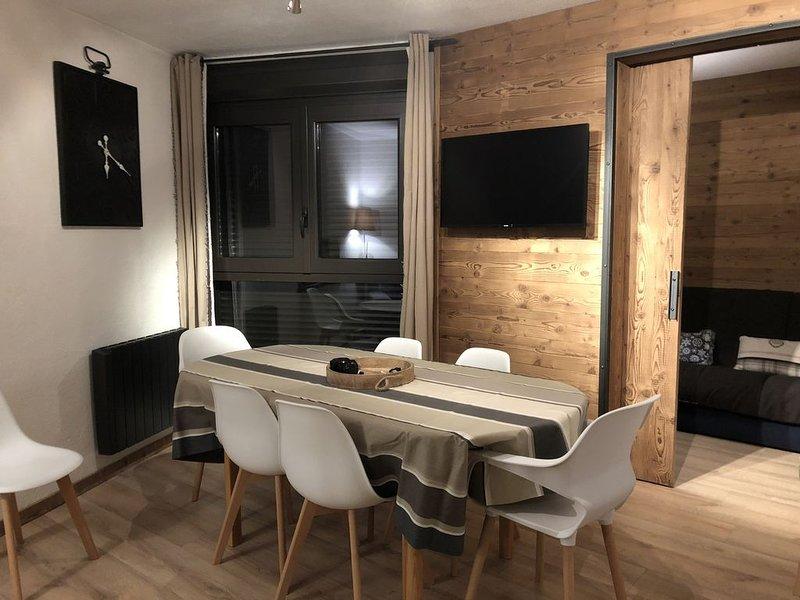 Appartement 6/8 personnes au pied des pistes, immeuble Baïkonour, holiday rental in Villarembert