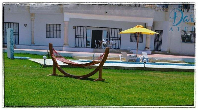 Villa calme piscine avec vue sur mer et montagne, location de vacances à Gouvernorat de Nabeul